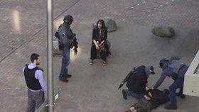 Zadržené po londýnském atentátu policie propustila. Bez obvinění