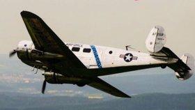 Do Prahy přiletěl Beechcraft 18: Ve stejném typu letadla zemřeli českoslovenští hokejisté