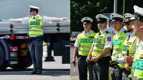 Čtrnáct policistů a policistek řídilo křižovatku v Malešicích: Co se tam dělo?