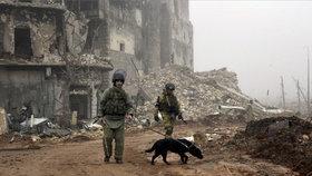 Napětí v Sýrii roste: Armáda prý útočí i na bojovníky proti ISIS