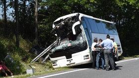 Na Jindřichohradecku havaroval autobus plný Číňanů: Několik zraněných