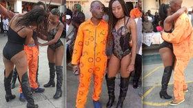 """Vězně během oslav svátku """"napravovaly"""" striptérky. Dozorci dostali padáka"""
