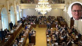"""""""Letní poslanec"""" z ČSSD kritizuje Sněmovnu: """"Míň kecej, víc dělej"""""""