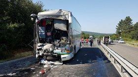 Svědkyně nehody autobusu s Čechy v Bulharsku: Všichni se snažili dostat raněné ven. Cestovka dělala, co mohla