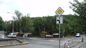 Křižovatky v Praze 6 mají nové značení: Dejte si pozor na změny přednosti v jízdě