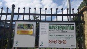 V Praze 7 umístíte reklamu zadarmo: Na dětských hřištích k tomu slouží nové tabule
