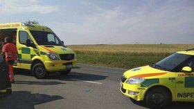 Opilci táhli na laně auto: Utržený vůz najel do davu a srazil holčičku (8)