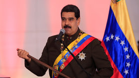 Trump pohrozil Venezuele útokem, tamní prezident svolává vojáky