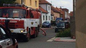 Masivní únik plynu v Hostivicích: Dělníci překopli potrubí, proběhla evakuace