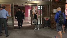 Zásah v hotelu v Modřanech: Muže tu někdo pobodal do břicha