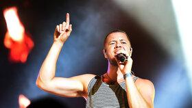 Hvězda Colours Imagine Dragons chtěla zrušit koncert: Zpěvák oněměl, pomohl mu český lékař