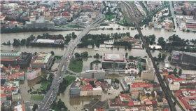 Povodně 2002 v Praze: Velkou vodu připomene výstava na Kampě