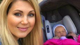 Novopečená maminka Sandra Parmová: Ukázala maličkou dcerku Emily