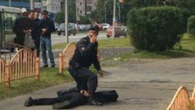 Na Sibiři pobodal útočník 7 lidí, k činu se hlásí ISIS. Policie o teroru pochybuje