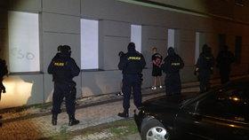 Fotbaloví chuligáni napadli ve Vršovicích příznivce Bohemians: Policisté je zatkli