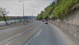 Mezi Čechovým a Štefánikovým mostem nepojedou tramvaje. Vyženou je dělníci