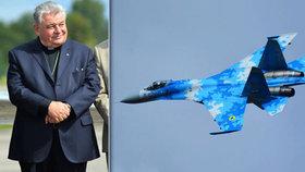 Nad Hradcem Králové hvízdaly letecké motory: Letadla pod patronací kardinála!