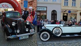 Závod nejdražších aut: Veterány za stovky milionů přijely do Krnova