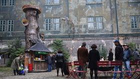 Prastánek Františka Skály otevřeli v Karlíně. Můžete si u něj opéct buřty