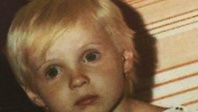 Poznáte herečku na fotce z dětství? Skoro se nezměnila!