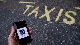 Nejen Uber rozčiluje taxikáře. Trnem v oku jsou jim i tihle alternativní přepravci