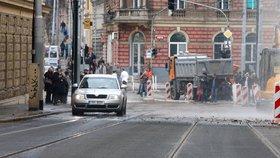 Rekonstrukce na Albertově jde do další fáze: Opět se změní trasy tramvají