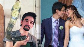 Blogger zemřel v přímém přenosu po uštknutí hadem: Sebevražda kvůli rozpadu manželství?