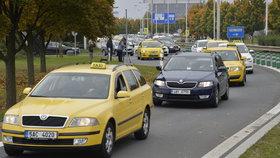 Taxikáři budou v půlce listopadu znovu protestovat. Jakou formou, zatím tají