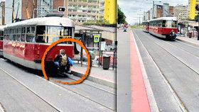 Hazard se životem: Muž se vezl na oji tramvaje! Držel dítě, tvrdí svědkyně