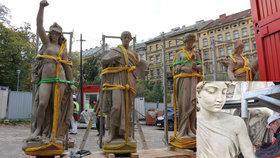 Sochy Národního muzea odborníci vyztužili železem. Památka nabídne i kavárnu