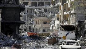Miny v ulicích, z domů jen trosky a usekané hlavy: Takhle vypadá bývalé hlavní město ISIS