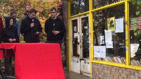 Aktivisté musí z Kliniky pryč: S majitelem budovy se nedomluvili na kompromisu