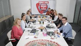 Unikátní akce: Horkou linku zvedali odborníci ze sociální správy! Dobrý den, jak můžeme pomoci?