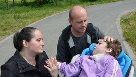 Lucinka se narodila postižená: Kvůli chvatu loktem na břicho? Rodičů se zastal soud