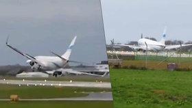 Boeing 737 v ohrožení. Dramatické přistání letadla v Rakousku zmařil vichr