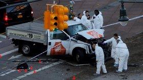 Trump chce popravit útočníka z Manhattanu. Ten v nemocnici žádal vyvěsit vlajku ISIS