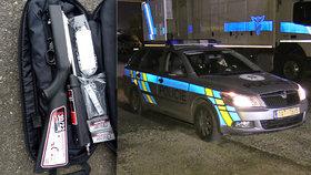 Zátah na Florenci: Stevardka před celníky schovala cigarety do spodního prádla, našli i ukradenou zbraň