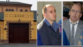 Dva vrazi utekli před 12 lety z Borů v paletě: Jeden se do vězení už nikdy nevrátil