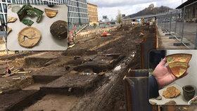 Kachle, nádoby i růžence: Archeologové odkrývají minulost Masarykova nádraží od rána až do setmění