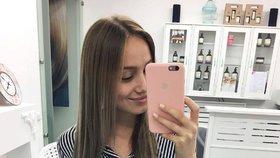 Celebrity na síti: Nová barva vlasů Kadeřávkové a perfektní postava Schneiderové