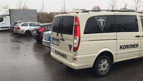 Smrt v pražských Stodůlkách: Manželé leželi v bytě bez známek života. Policii zavolal jejich syn