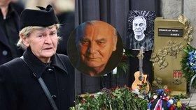Zhroucená vdova po Petru Haničincovi na pohřbu Wabiho Daňka (†70): Byl to můj bráška!