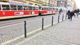 Nehoda na Letné: Dopravní podnik tramvaje odkláněl přes nábřeží Edvarda Beneše