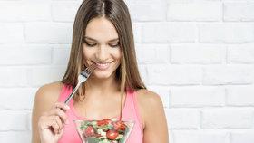 Jak jíst během dne? Hlavně nevynechávejte žádné jídlo! Jinak ztloustnete