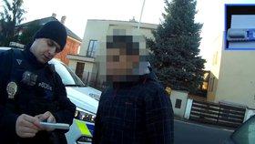 Strážníci »vyhmátli« zfetovaného řidiče: Prozradilo ho rozbité světlo