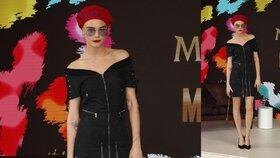 Styl podle celebrit: Cara Delevingne v červeném baretu