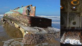 V USA se vyplavila tajemná »loď duchů«: Cesta přes oceán jí trvala 6 let!