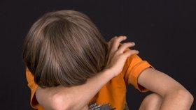 Chlapce devět let znásilňoval nevlastní otec, týral ho žízní a hladem. Úřady o tom věděly, ale nezasáhly