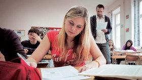 Maturanti se vzpouzí hodnocení slohových prací. Češtináři s nimi souhlasí