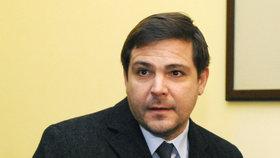 Byl to podvod. Zastupitel Březina neuspěl s ústavní stížností v kauze odměn z DPP